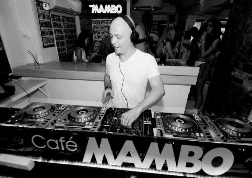 Hard Rock Sofa @ Mambo Ibiza ES